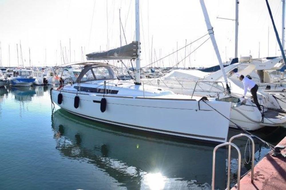 Rental Sailboat in Marbella - Jeanneau SUN ODYSEEY 389