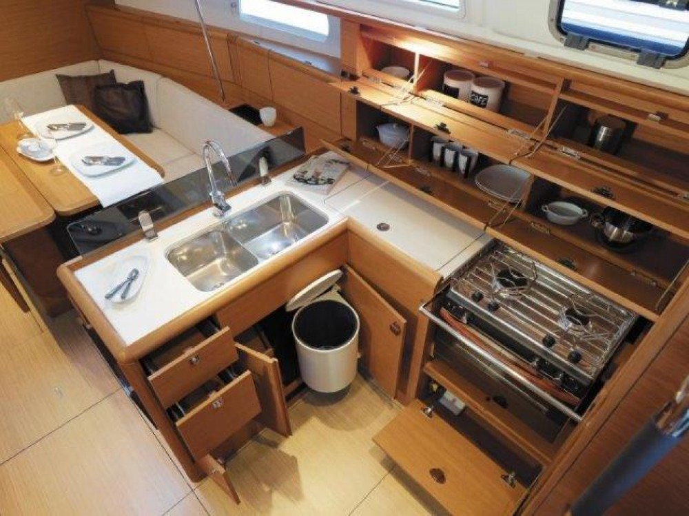 Boat rental Marbella cheap SUN ODYSEEY 389