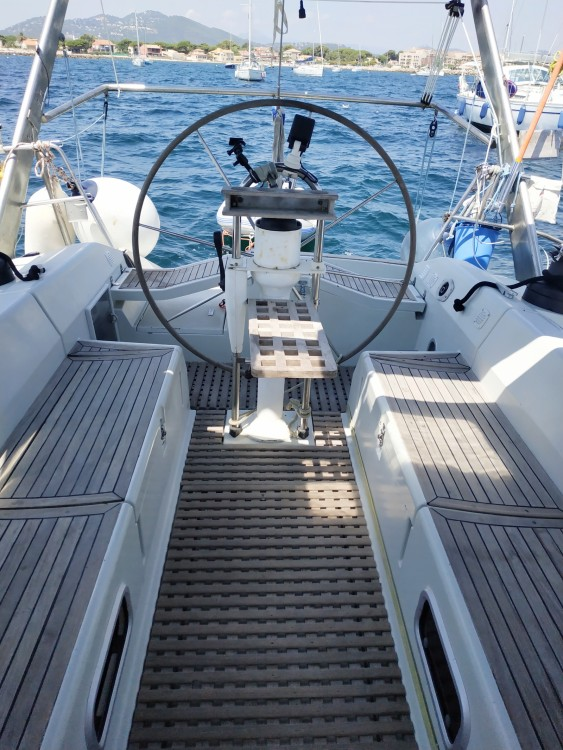 Boat rental Kirie Feeling 486 in Hyères on Samboat