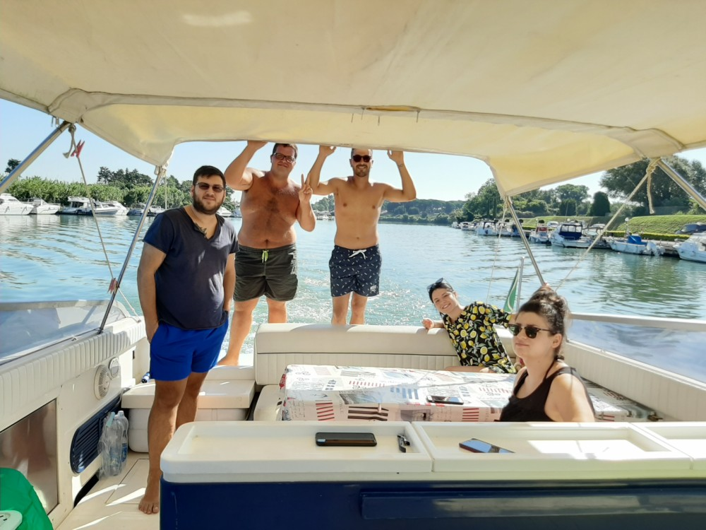 Boat rental Profilmarine Cherokee 50 in Rome on Samboat