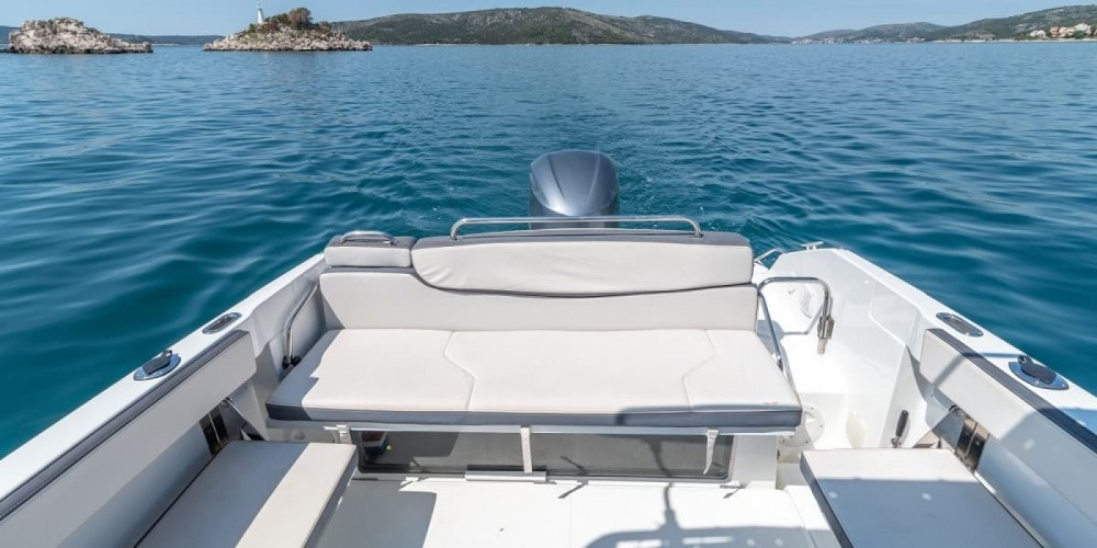 Rental Motorboat in Trogir - Bénéteau Flyer 7.7 SPACEdeck