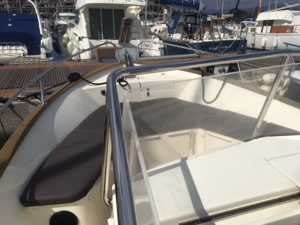 Rental Motorboat in Cogolin - Rhea RHEA 27