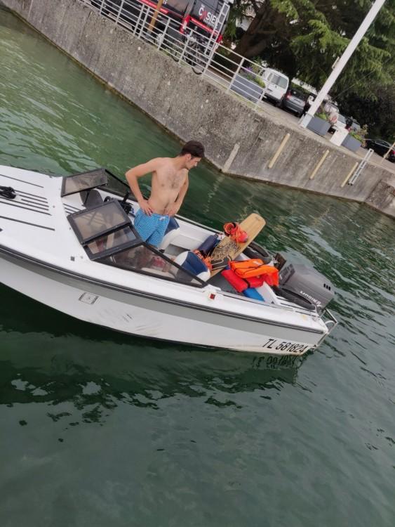 Rental Motorboat in Bourdeau - Jeanneau Djerba 470
