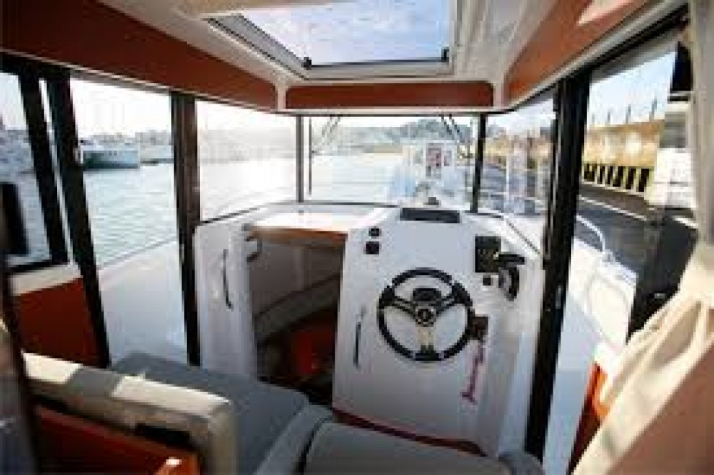 Hire Motorboat with or without skipper Bénéteau Arzon