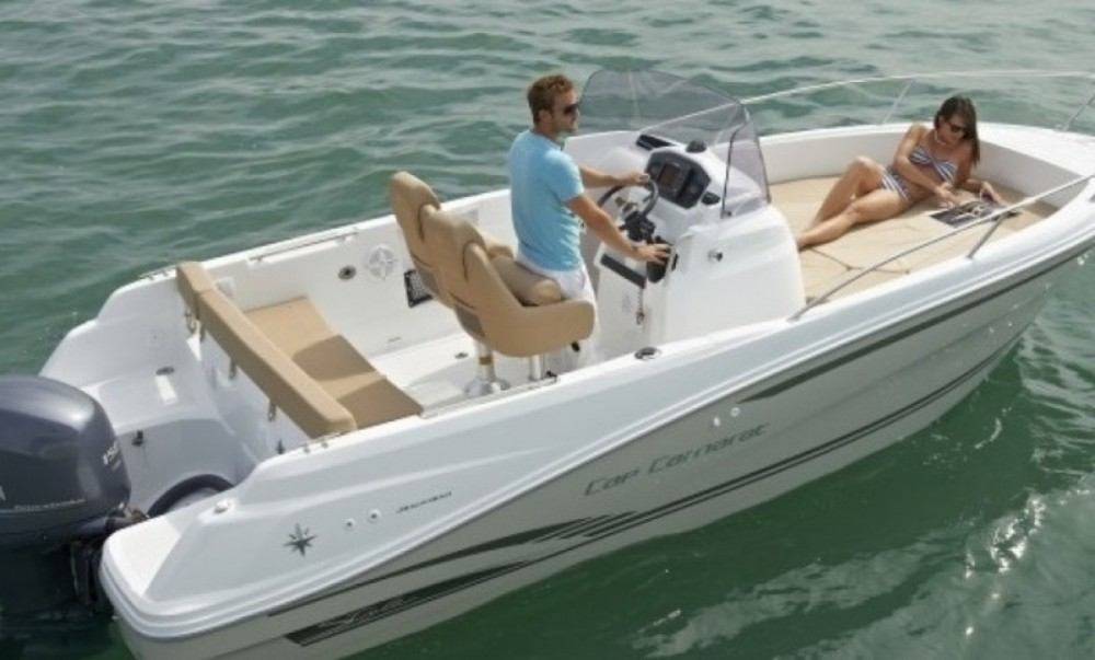 Hire Motorboat with or without skipper Jeanneau Arzon