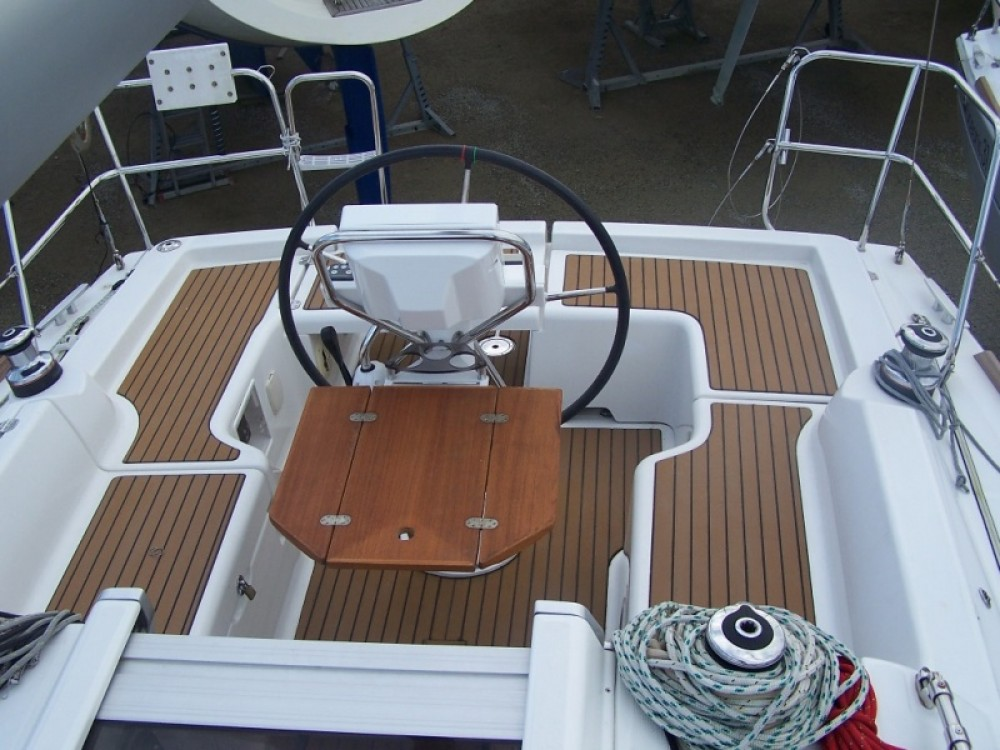Rental yacht Arzon - Bénéteau Oceanis 31 Dl on SamBoat