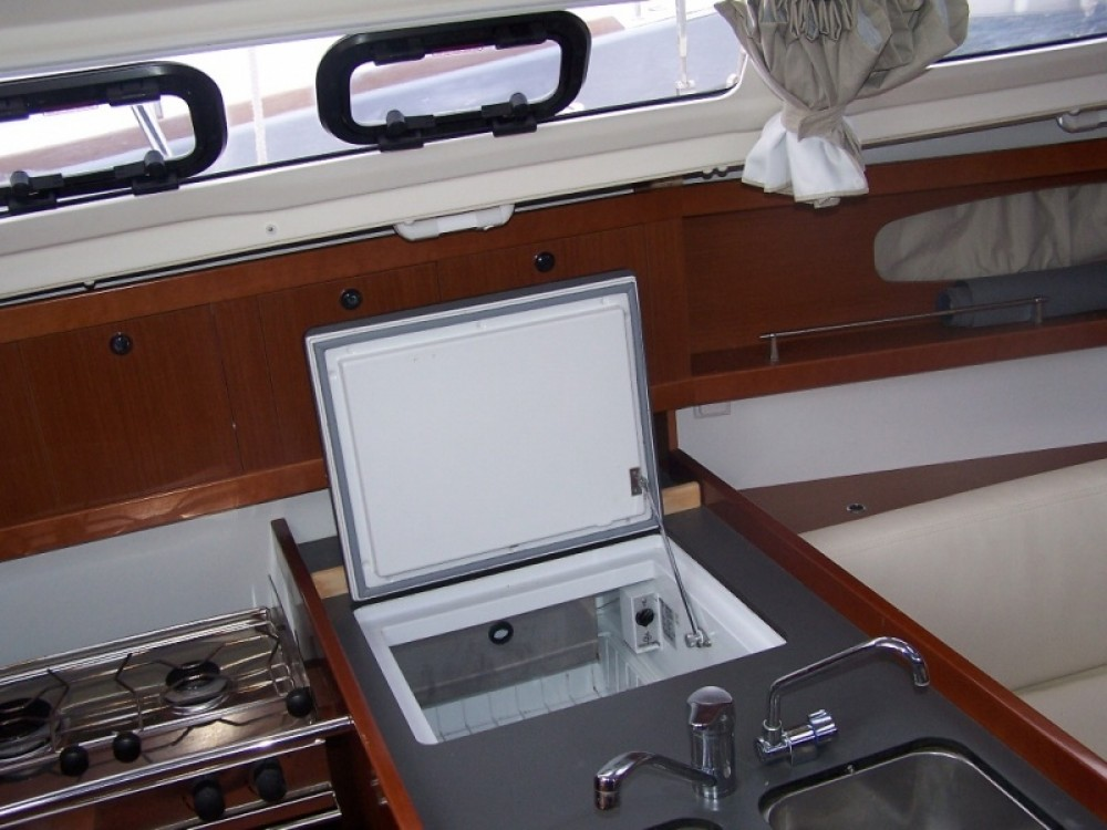 Bénéteau Oceanis 31 Dl between personal and professional Arzon