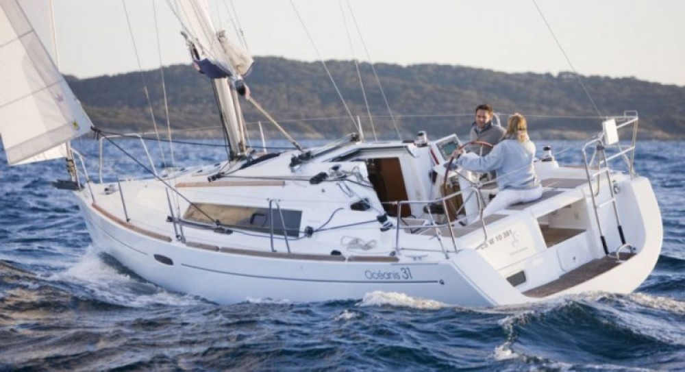 Rental Sailboat in Arzon - Bénéteau Oceanis 31 Dl