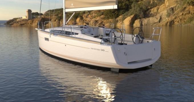 Rental yacht Port du Crouesty - Jeanneau Sun Odyssey 349 on SamBoat