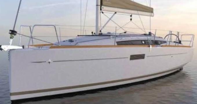 Boat rental Jeanneau Sun Odyssey 349 in Port du Crouesty on Samboat