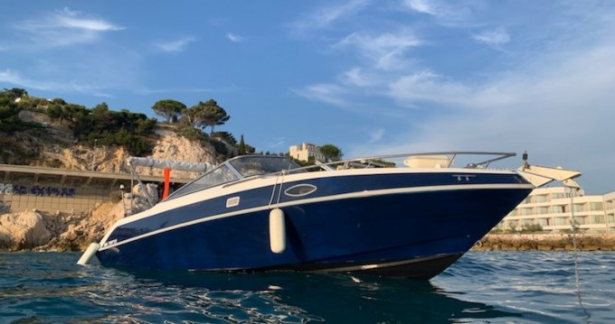 Rent a Four Winns Sundowner 205 Marseille