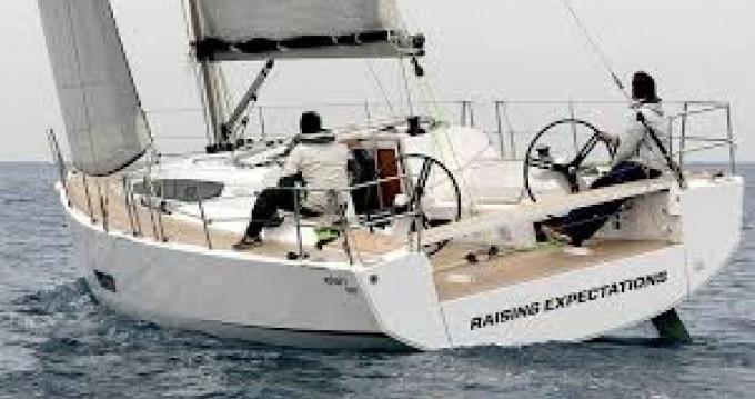 Rental Sailboat in Port du Crouesty - Elan Elan 400 S