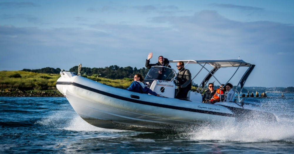 Rental RIB in Arzon - Ranieri Cayman 23 Sport Touring