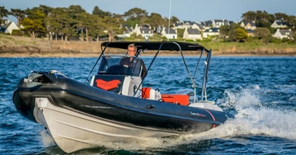 Rental RIB in Arzon - Ranieri Cayman 26 Sport Touring