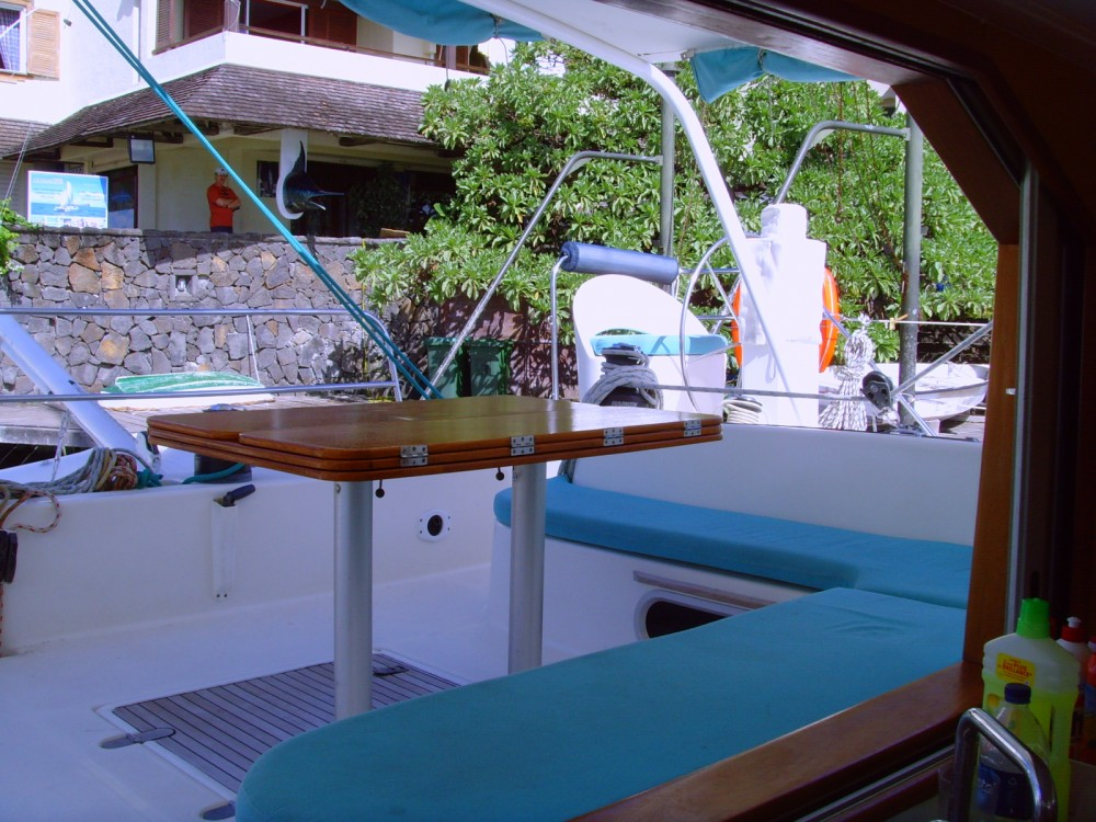 Catana 471 between personal and professional Black River