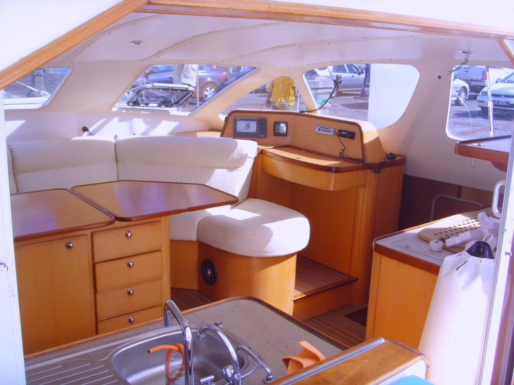Rental Catamaran in Black River - Catana 471