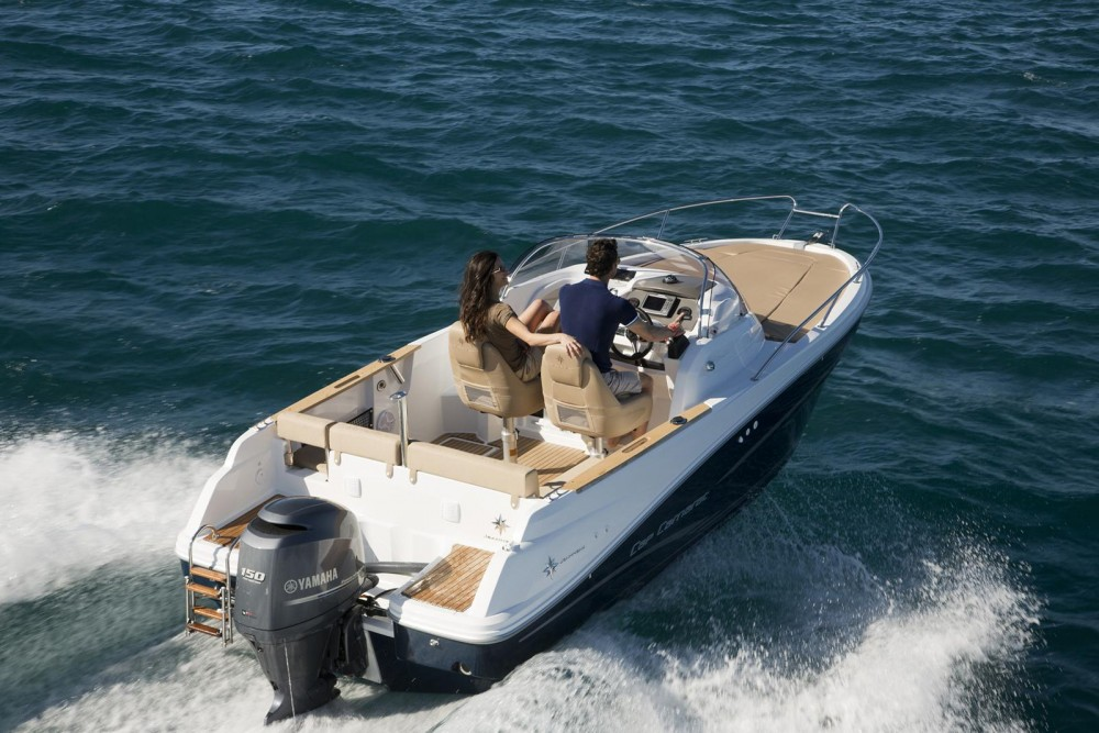 Hire Motorboat with or without skipper Highfield Arzon