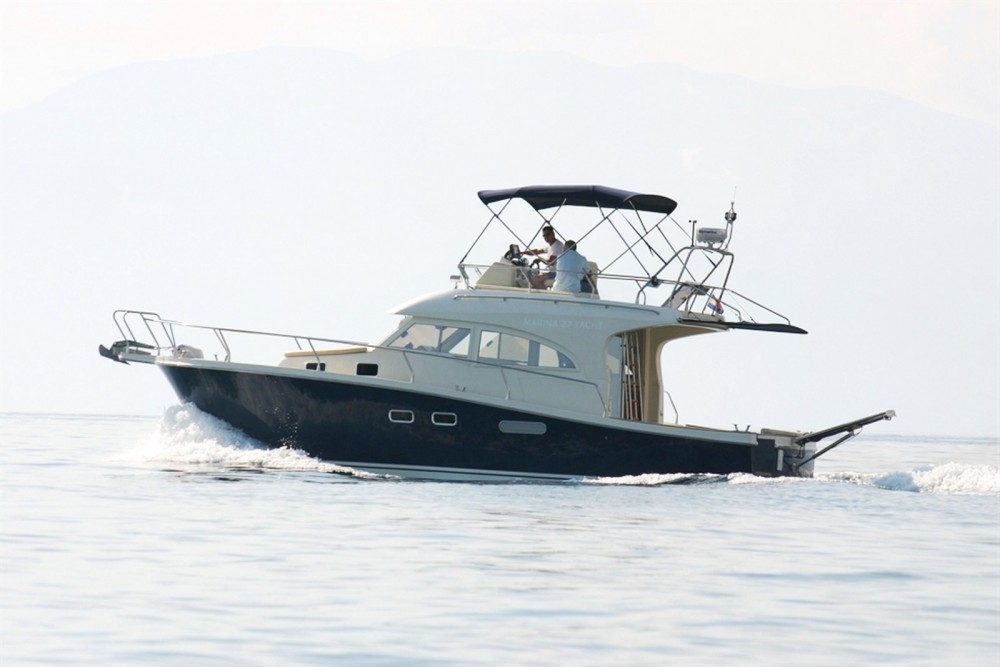 Boat rental Damor Family 12 in Trogir on Samboat