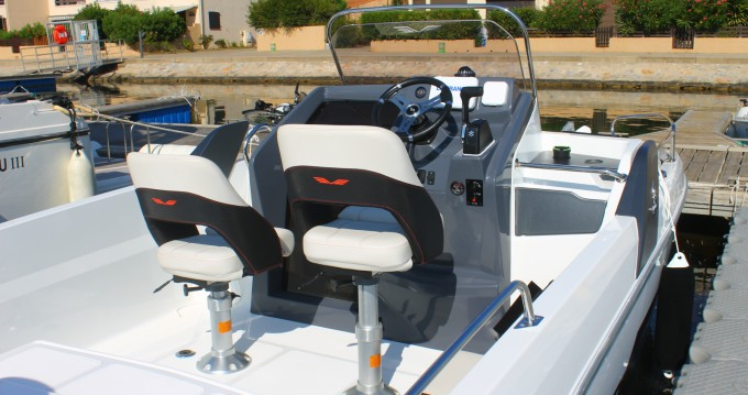 Rental yacht Saint-Cyprien - Bénéteau Flyer 6.6 SUNdeck on SamBoat