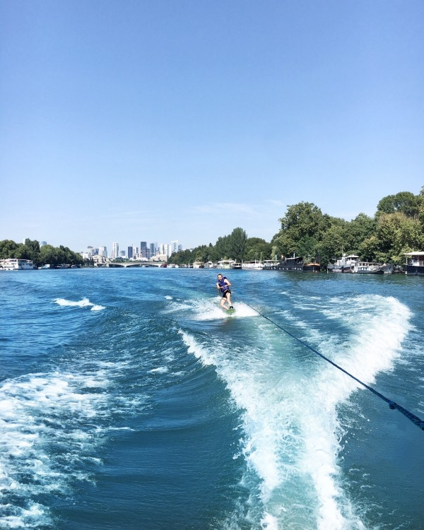 Hire Motorboat with or without skipper Jeanneau Paris