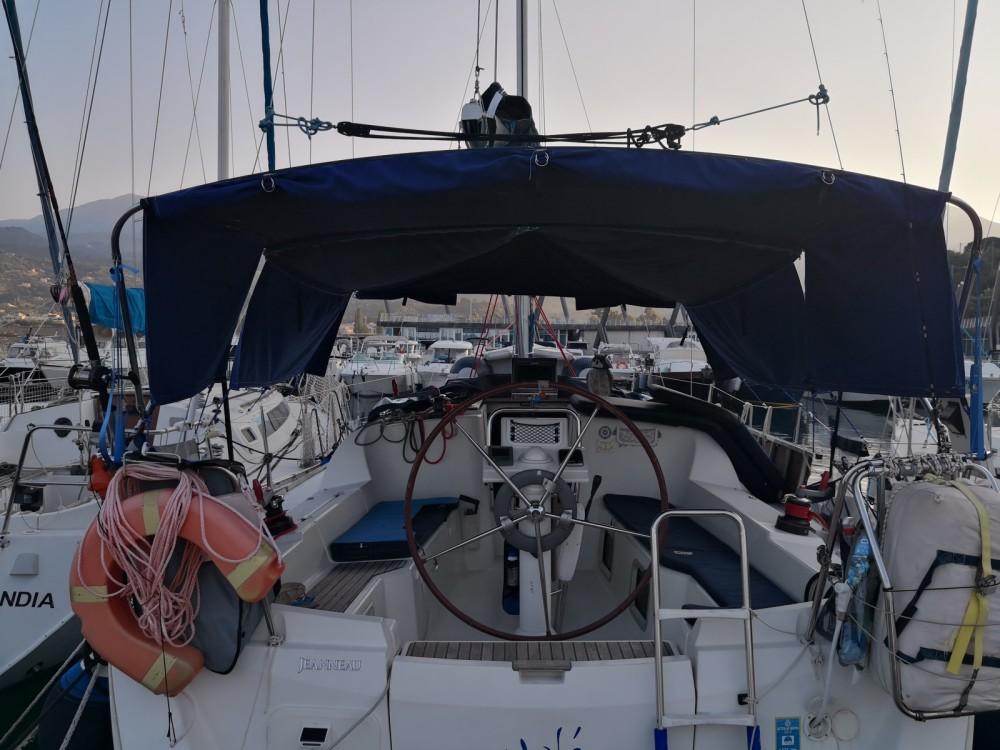 Rental Sailboat in Scario - Jeanneau Sun Odyssey 33i