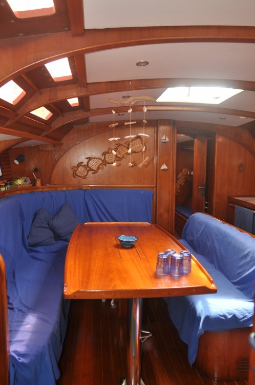 Sailboat for rent Sainte-Anne at the best price