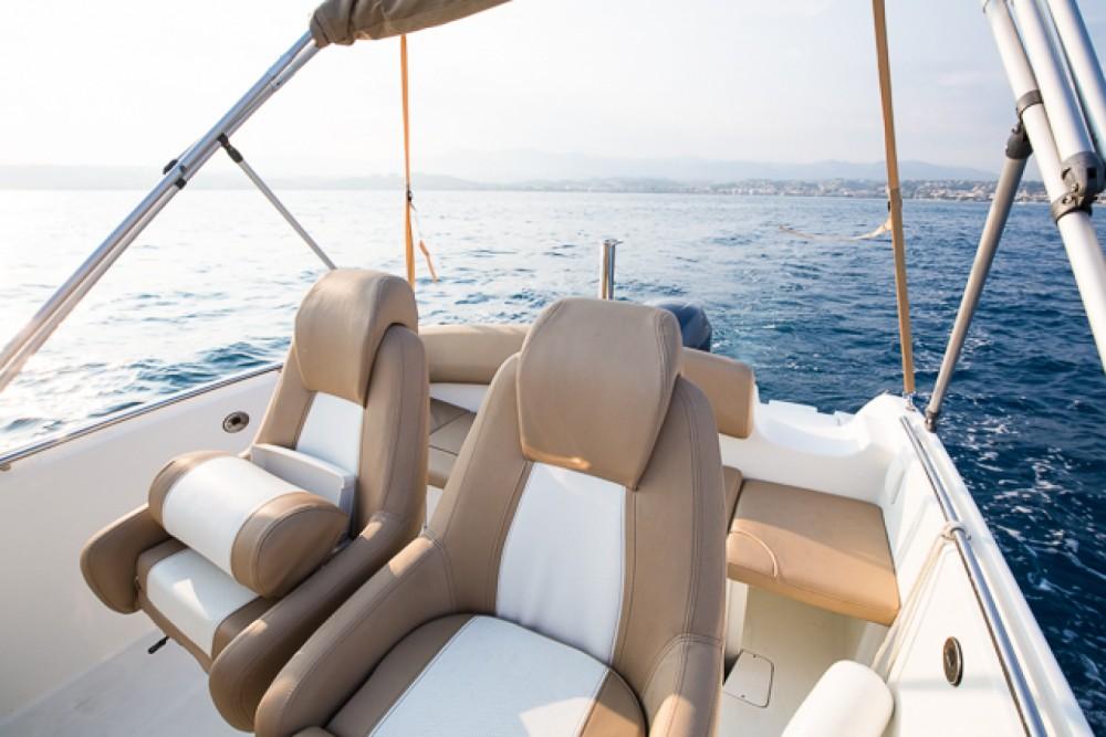 Rental yacht Saint-Laurent-du-Var - Jeanneau Cap Camarat 6.5 CC Style on SamBoat