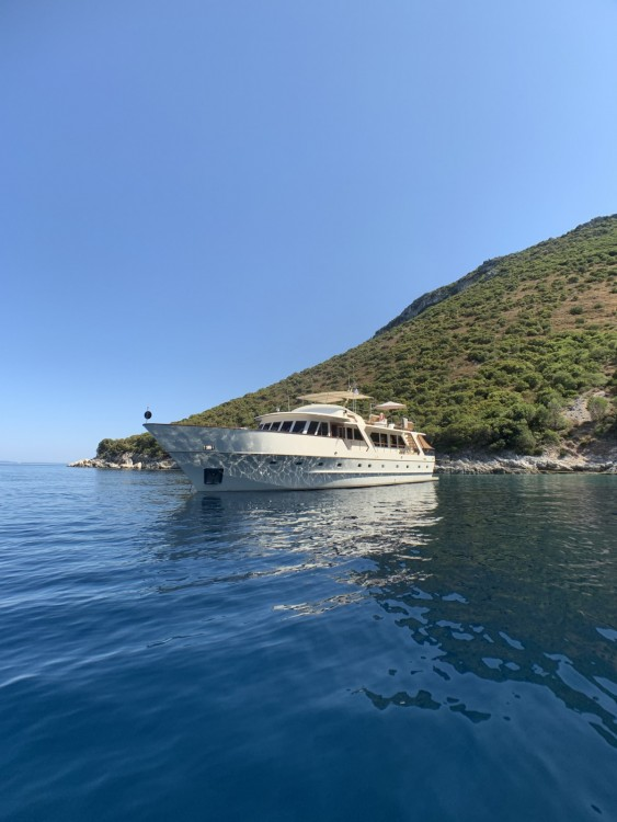Rental Yacht in Antibes - Vish Stalca