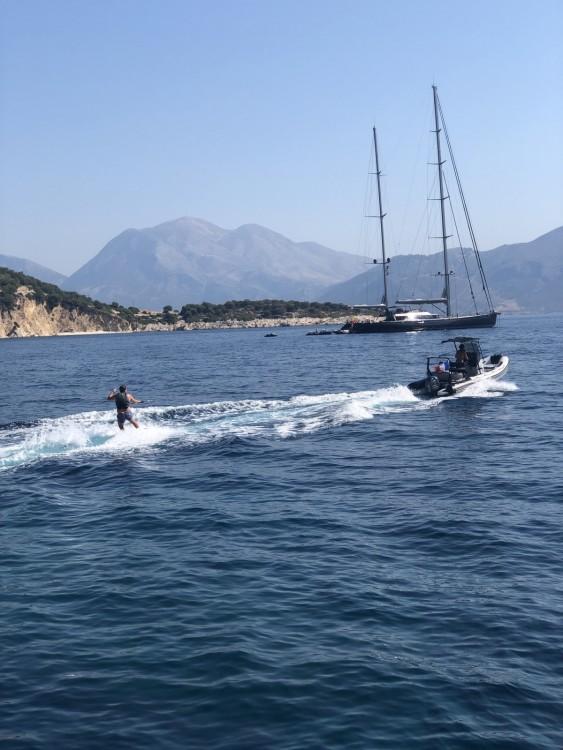 Rental Yacht Vish with a permit