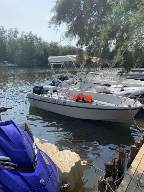 Rental Motorboat Terhi with a permit