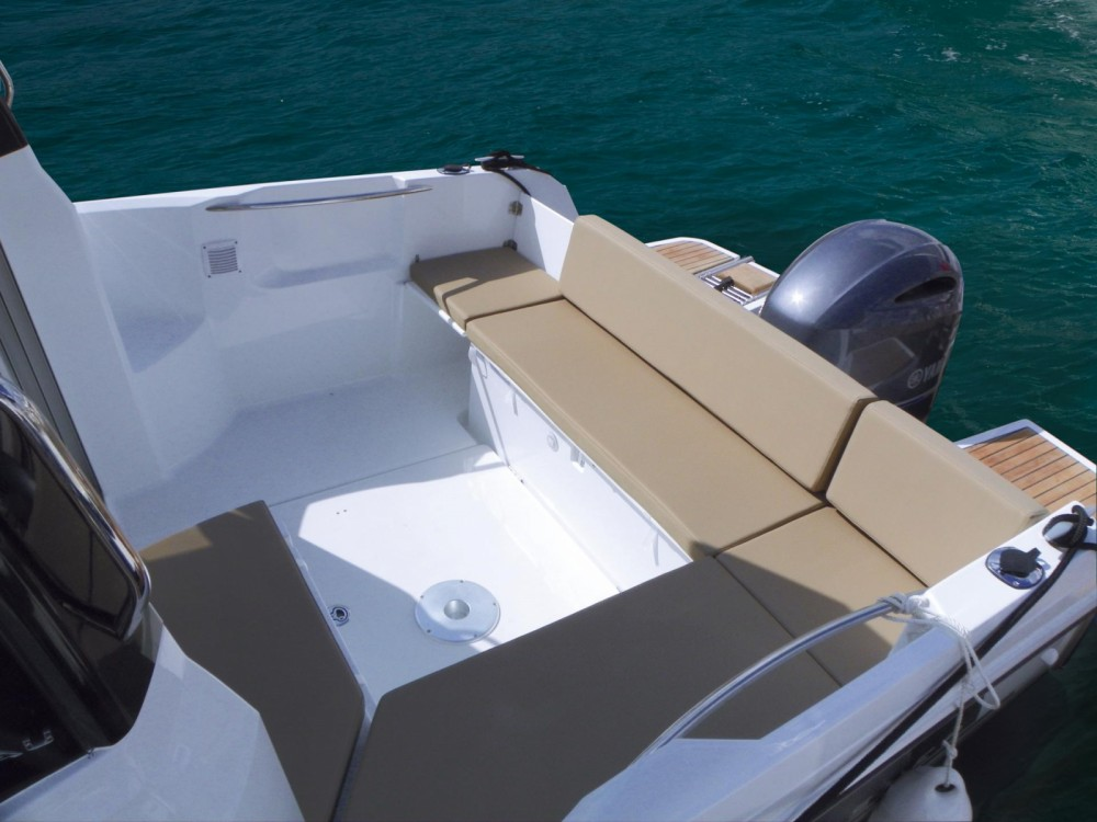 Hire Motorboat with or without skipper Jeanneau Marseille
