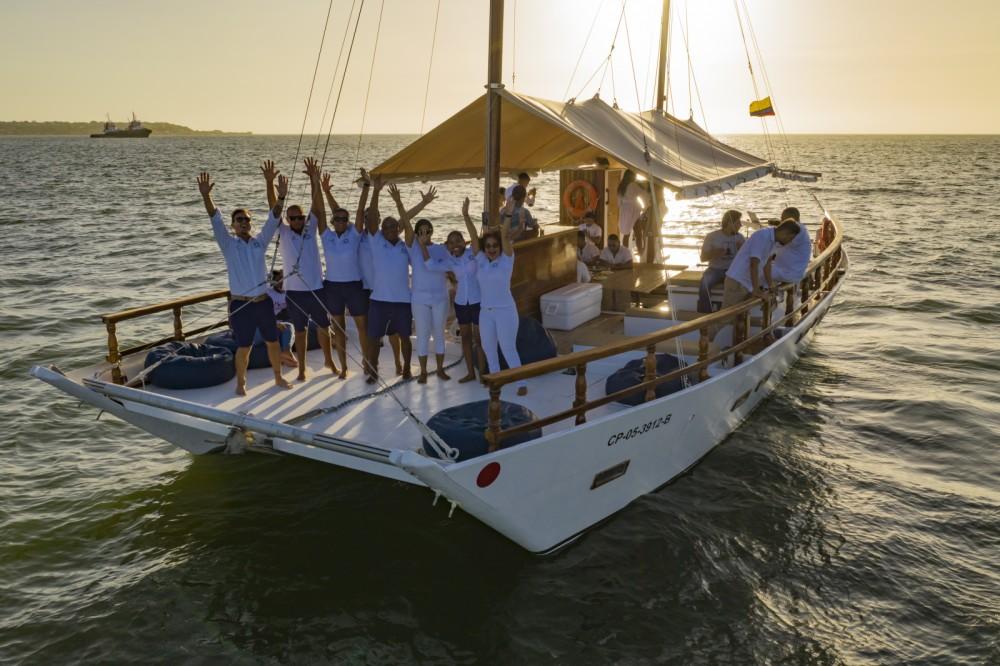 Hire Catamaran with or without skipper Wharram Bolívar