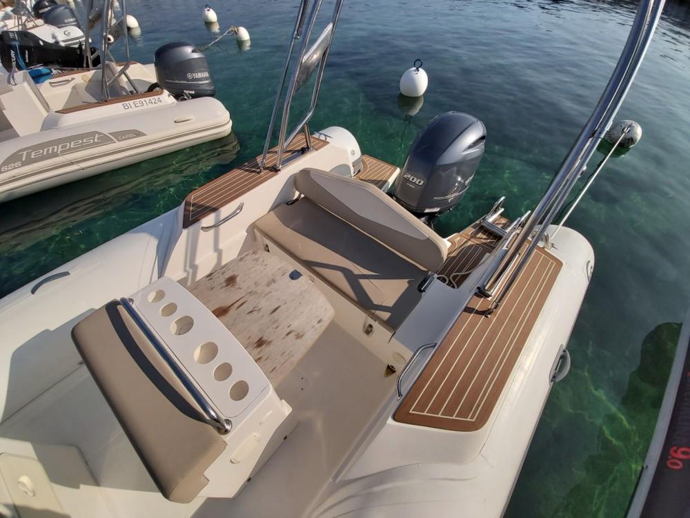 Rental yacht L'Île-Rousse - Capelli Tempest 700 on SamBoat