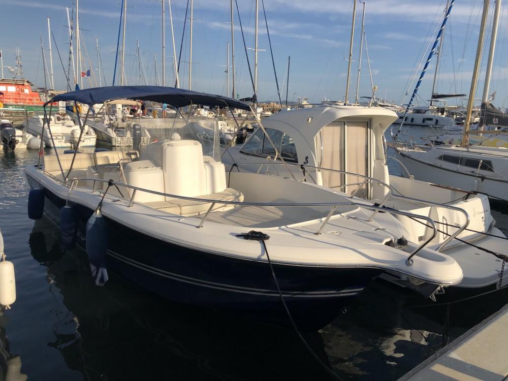 Rental yacht Hyères - White Shark White Shark 265 on SamBoat