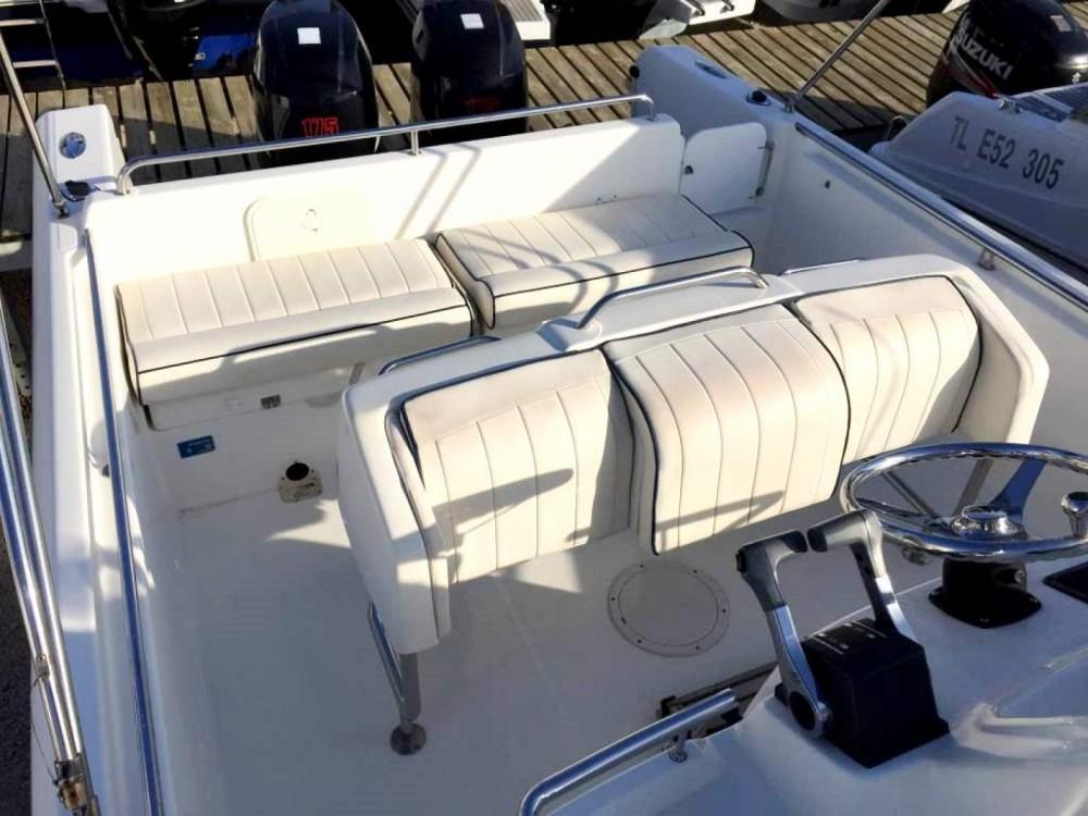 Boat rental White Shark White Shark 265 in Hyères on Samboat