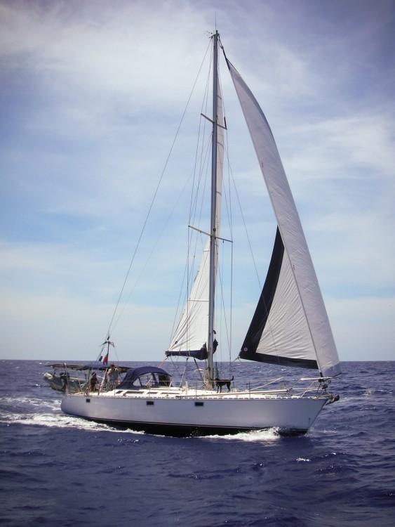 Boat rental Jeanneau Sun Kiss 47 in Sainte-Anne on Samboat