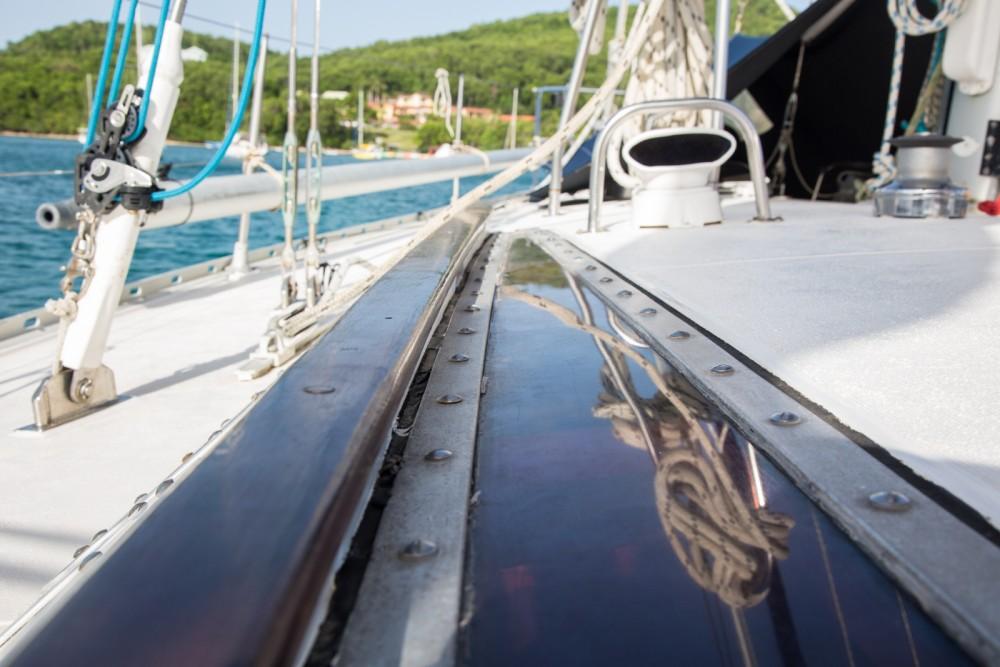 Rental Sailboat in Sainte-Anne - Jeanneau Sun Kiss 47