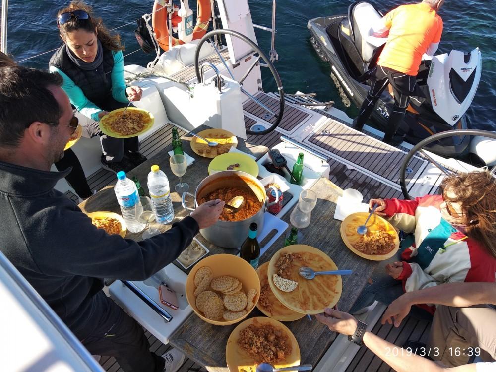 Rental yacht Torrevieja - Bénéteau Oceanis38 on SamBoat