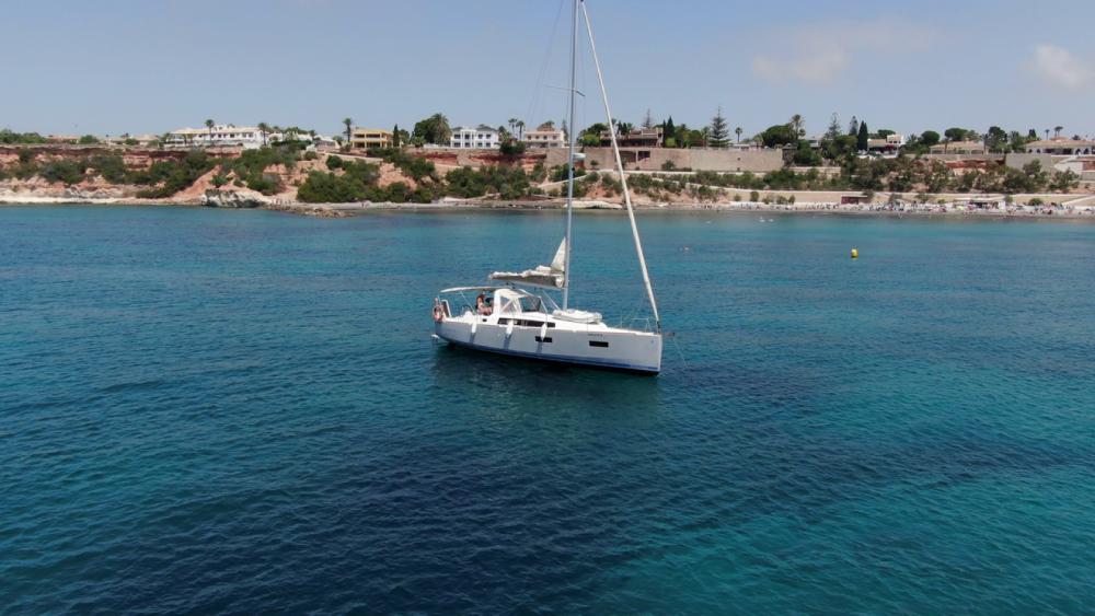 Rental Sailboat in Torrevieja - Bénéteau Oceanis38