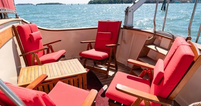 Boat rental Venezia cheap TRAWLER
