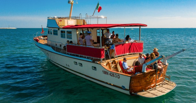 Hire Yacht with or without skipper Trawler Venezia