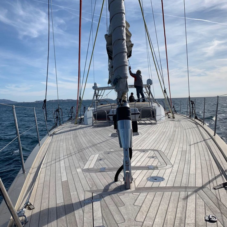 Hire Sailboat with or without skipper Futuna-Yachts  Marseille