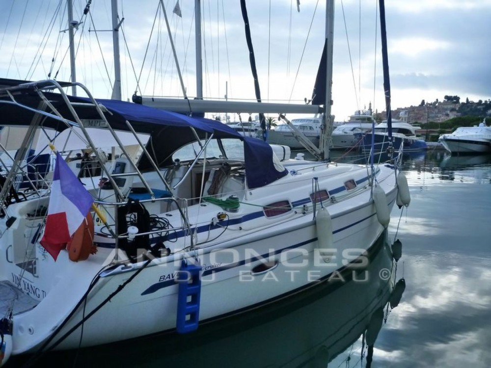 Rental yacht Saint-Raphaël - Bavaria Bavaria 39 Cruiser on SamBoat