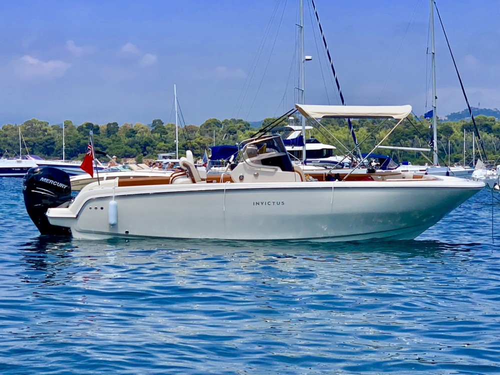 Hire Motorboat with or without skipper Invictus  Cannes