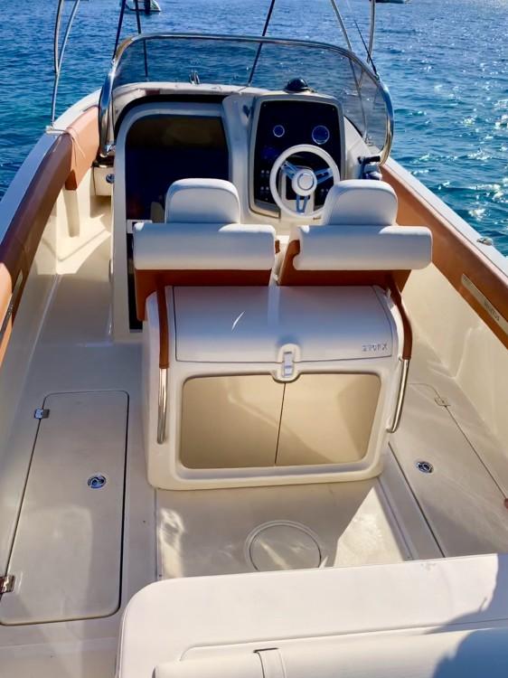 Rental Motorboat in Cannes - Invictus  Invictus 270 FX