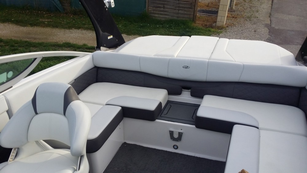 Hire Motor boat with or without skipper Régal Le Bourget-du-Lac