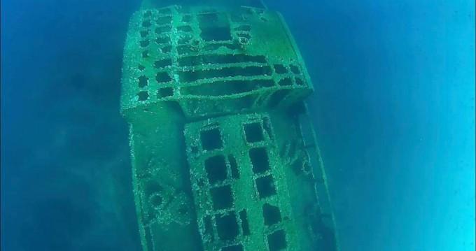 Rental yacht Bonifacio - Zodiac Sunrider 650 Bleu on SamBoat
