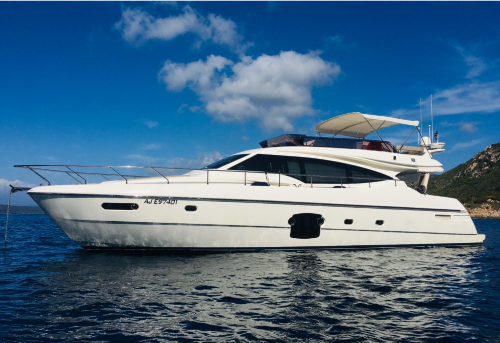 Rental Yacht in Saint-Raphaël - Ferretti 592 fly