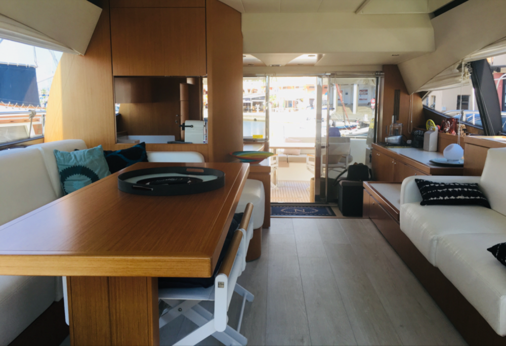 Ferretti 592 fly between personal and professional Saint-Raphaël