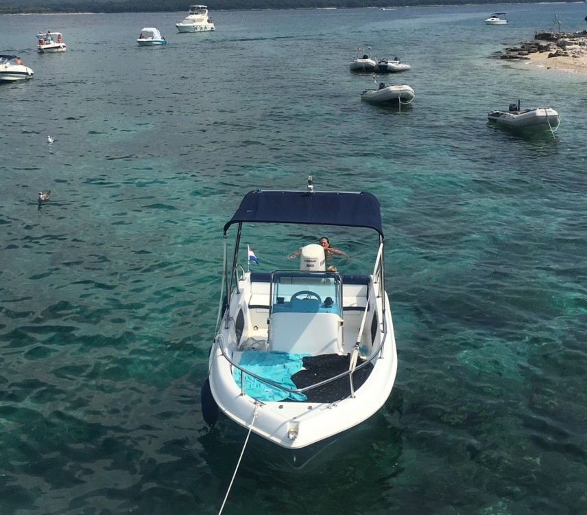 Hire Motorboat with or without skipper Tiburon Rovinj